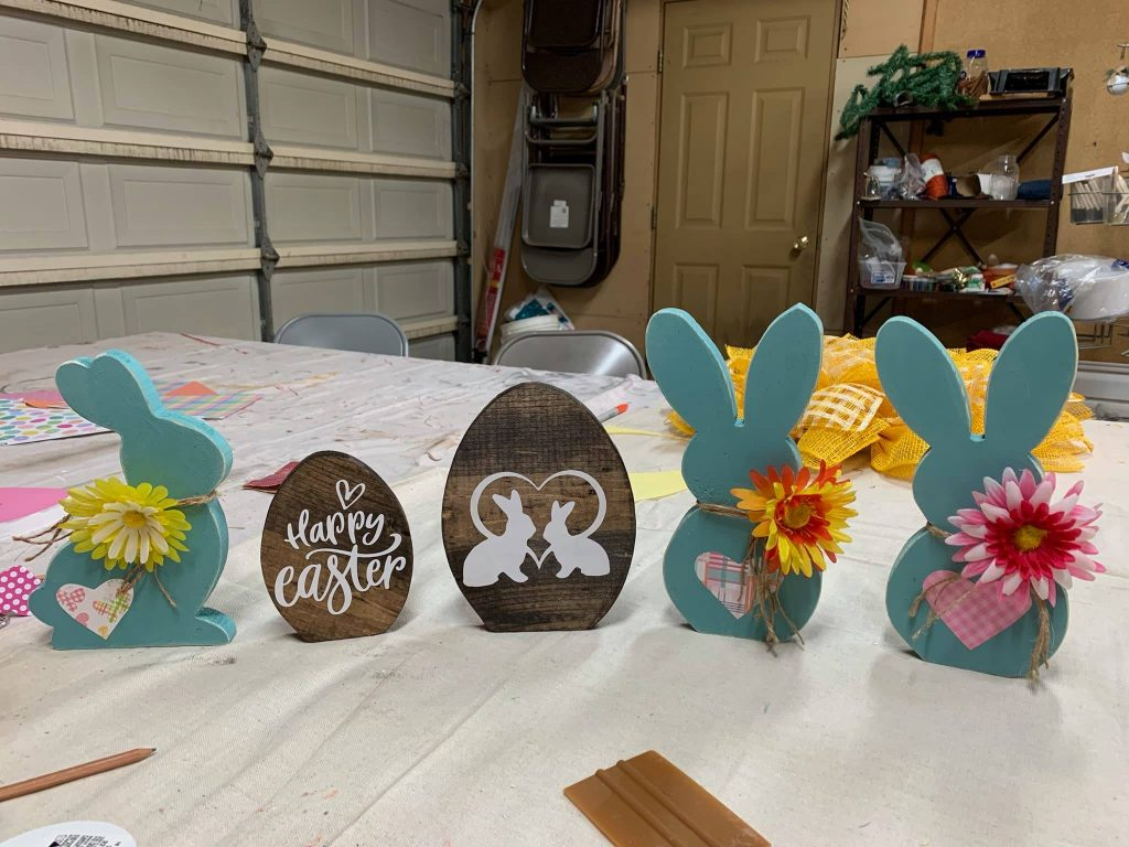 Glenda Edwards CarveWright easter decorations