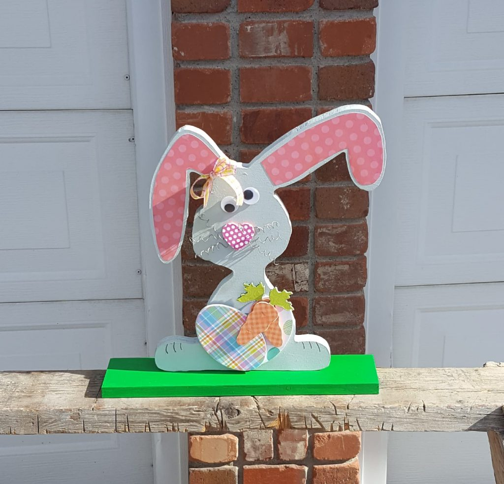 Glenda Edwards CarveWright googly eyed Easter bunny